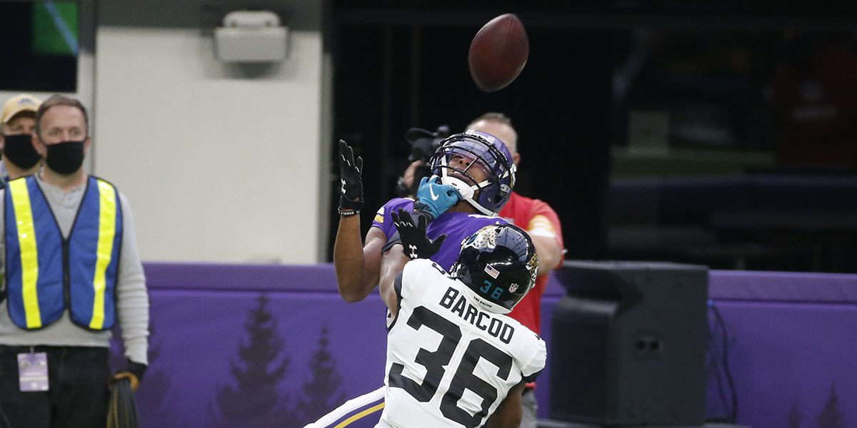 Some former LSU WRs made plays for their teams Sunday but only one made history