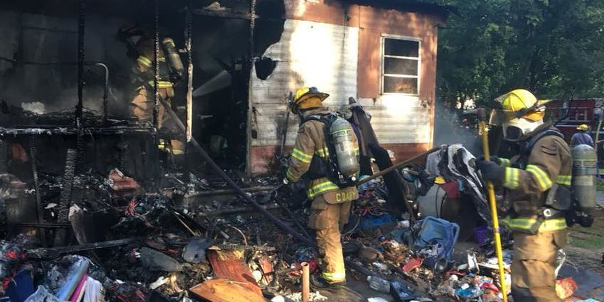 VIDEO: Firefighters battle trailer blaze in North Slidell