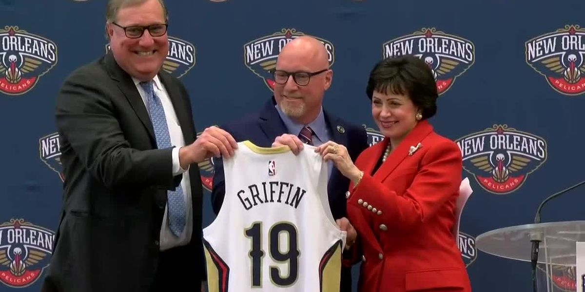 Jersey presentation to David Griffin