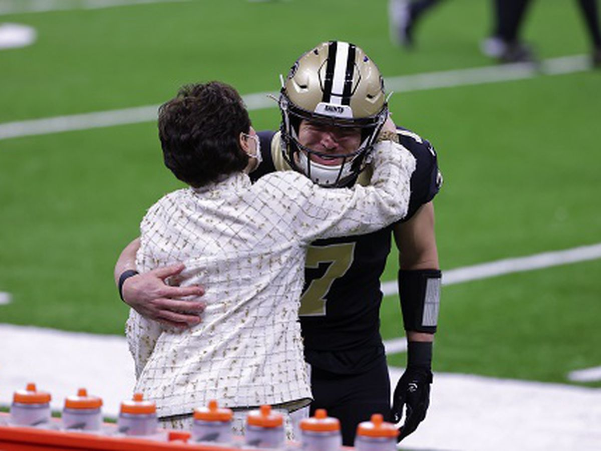 """Taysom Time"" begins against Falcons with Brees out with an injury"
