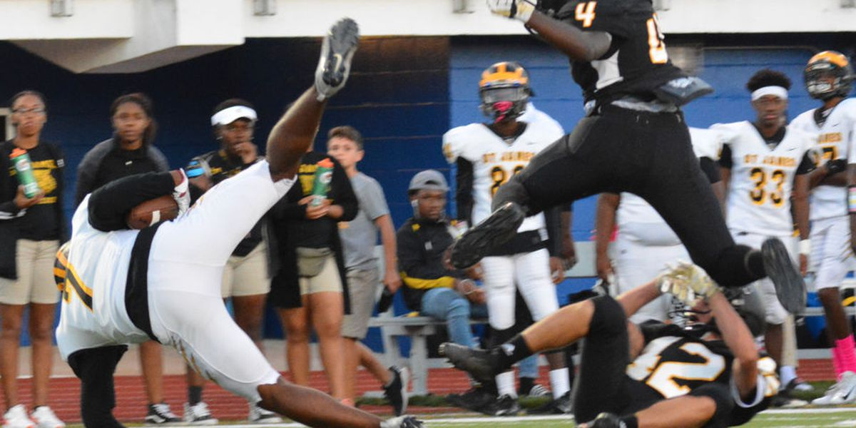 Shamar Smith throws 4 TD passes, St. James cruises by Haynes