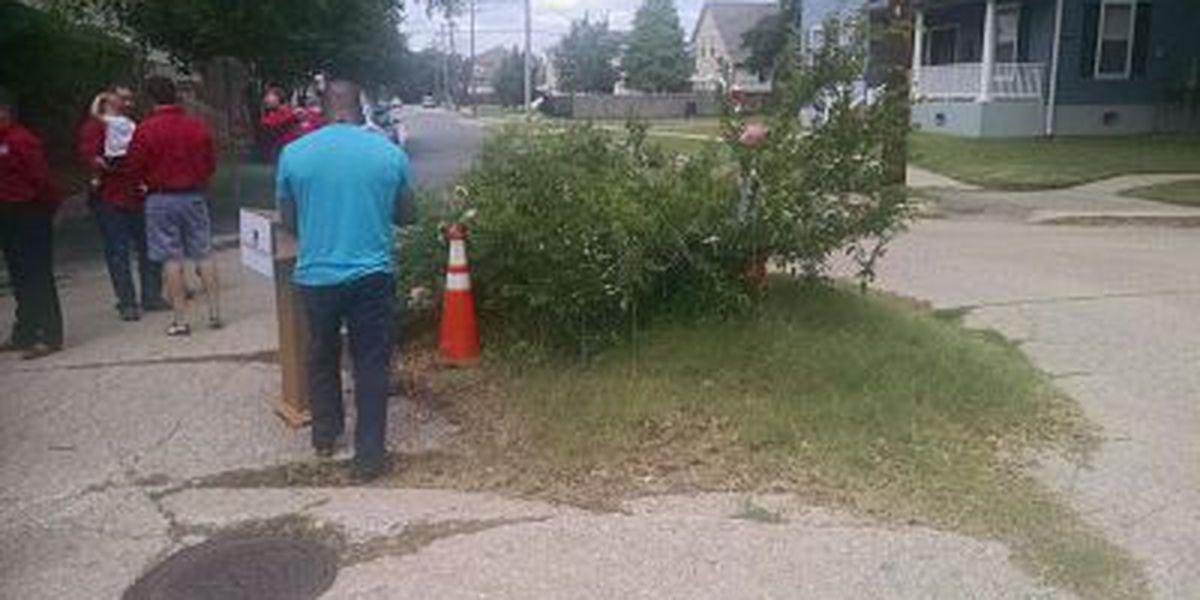 Pothole-weary New Orleanians embrace 'National Pothole Day'
