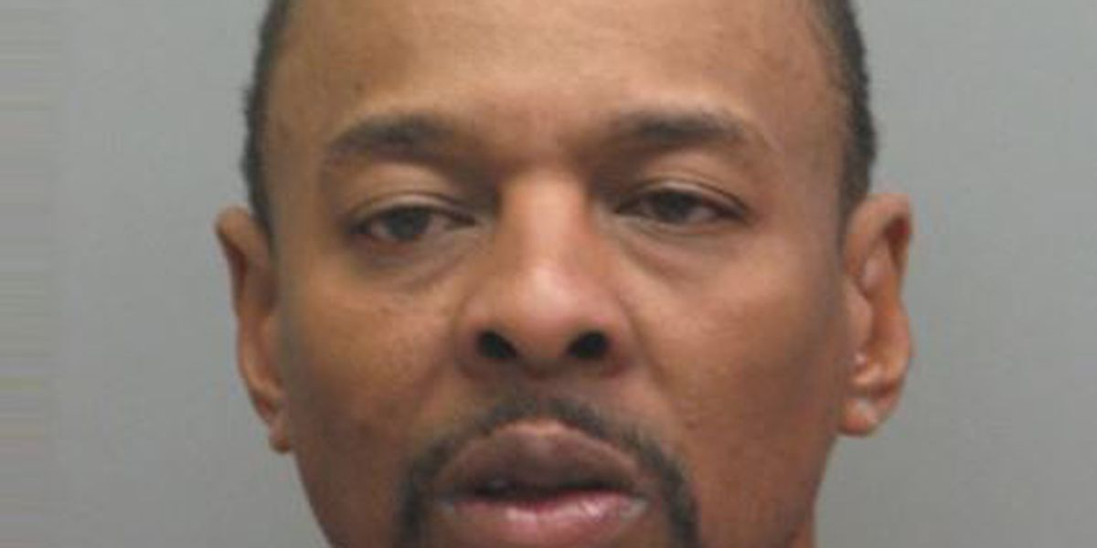 Police: Man says phone app told him to steal car