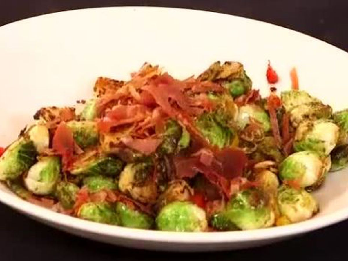 Roasted brussels sprouts with crispy prosciutto