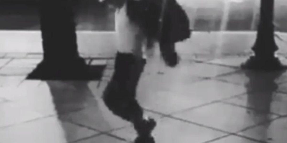 VIDEO: Kid moonwalks down Canal