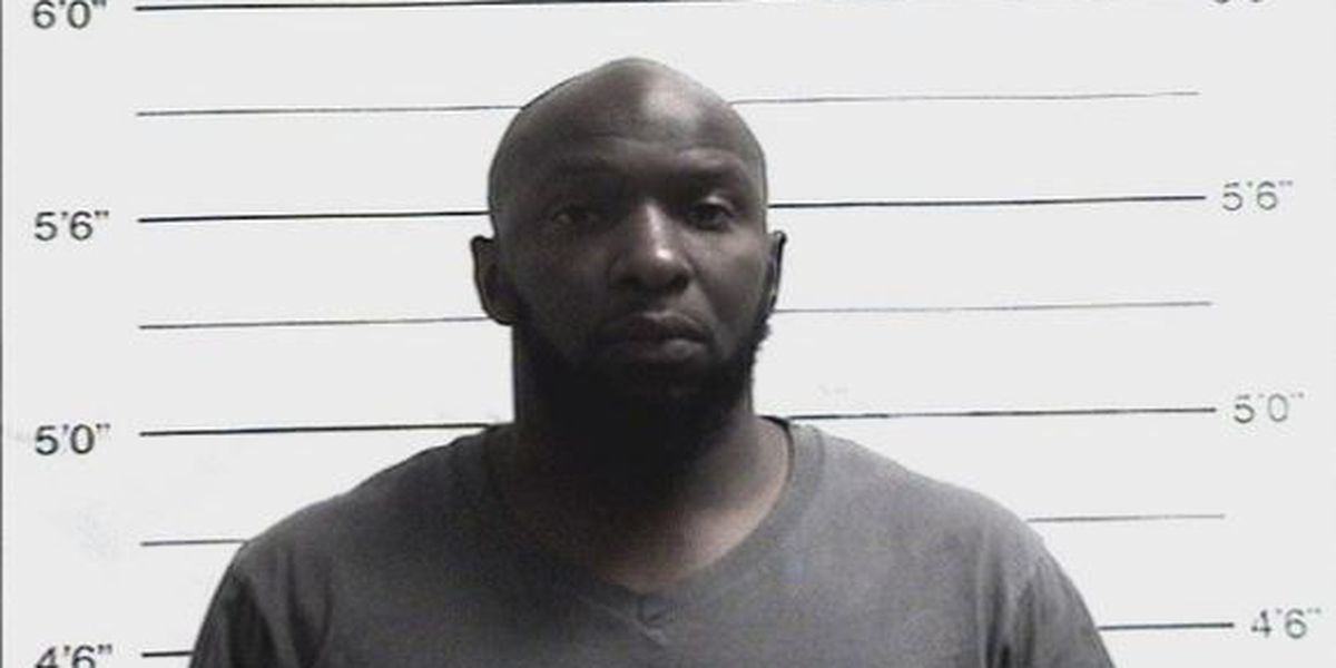 NOPD: Man stabs two men after his drink is accidentally knocked over