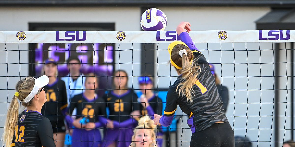 No. 2 LSU tops No. 1 UCLA before record crowd; sweeps Tiger Beach Challenge