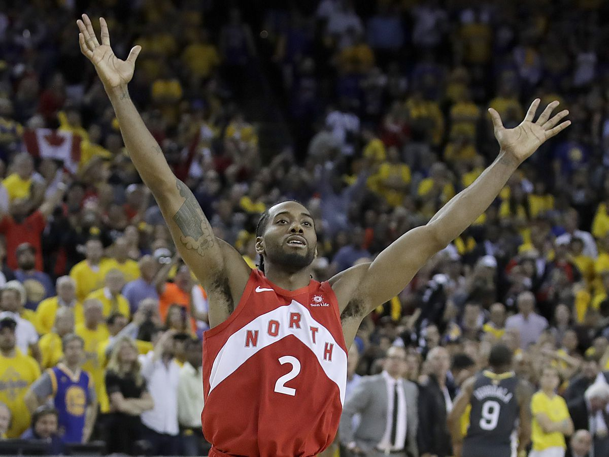 Clippers trading for George, signing Leonard, AP source says