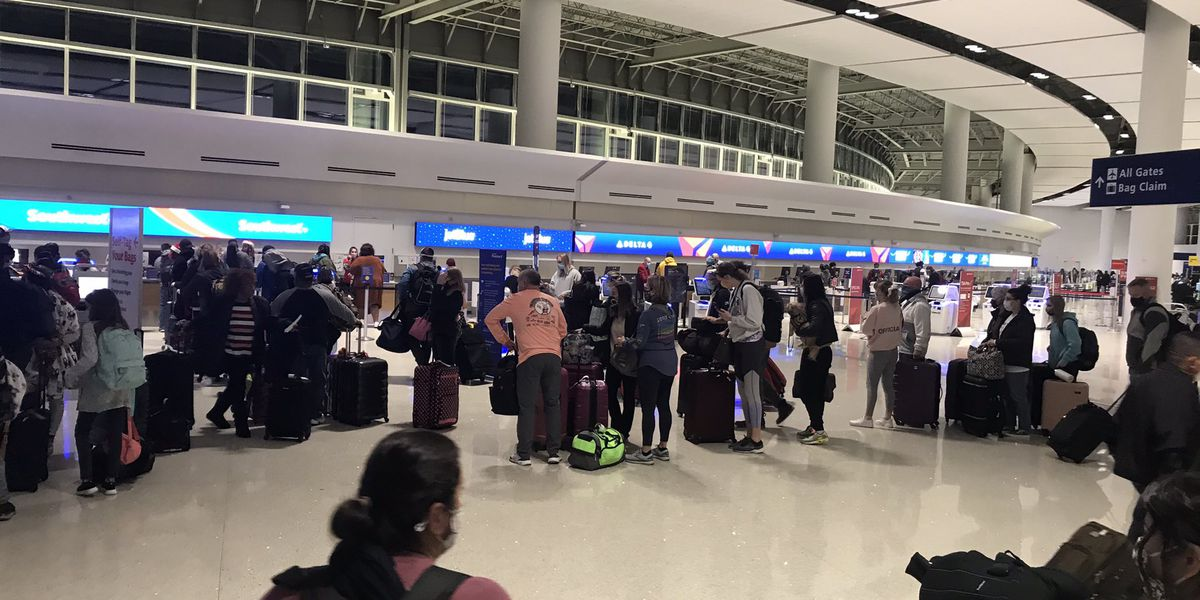 """""""It's scary,"""": Health educator predicts grim start of 2021 as holiday travel increases"""