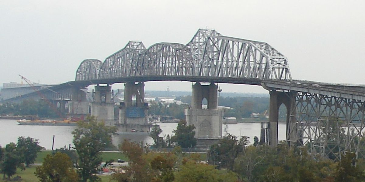 Huey P. Long Bridge reopens after 3-hour-long shutdown