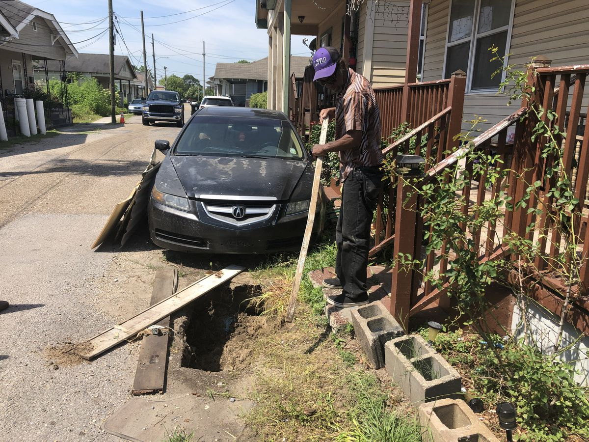 Gert Town homeowners worry about sinkhole growing for a month