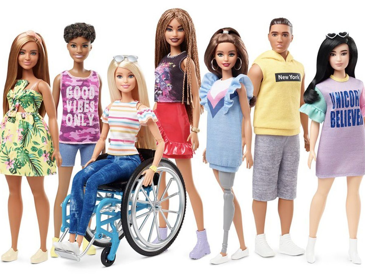 Prominent fashion council honors Barbie