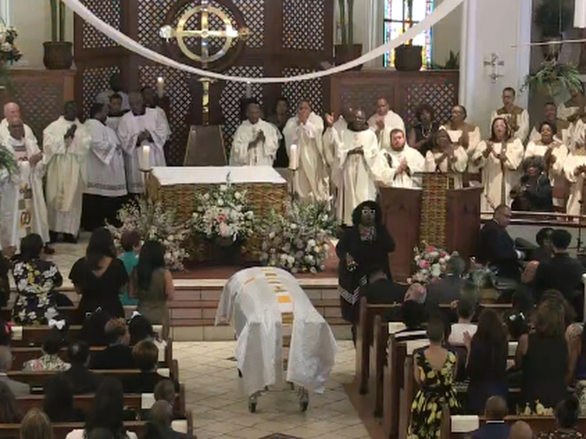 Hundreds attend funeral mass for iconic chef Leah Lange Chase