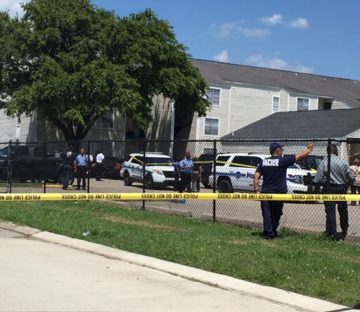 NOPD Investigates Officers Shooting Of Armed Man In