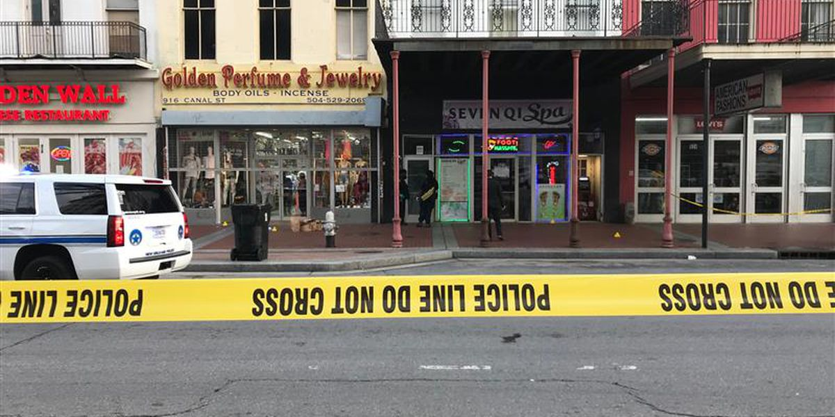 Man shot to death on edge of French Quarter on Canal St.