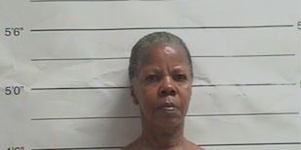 Woman stabs mother during dinner, NOPD says
