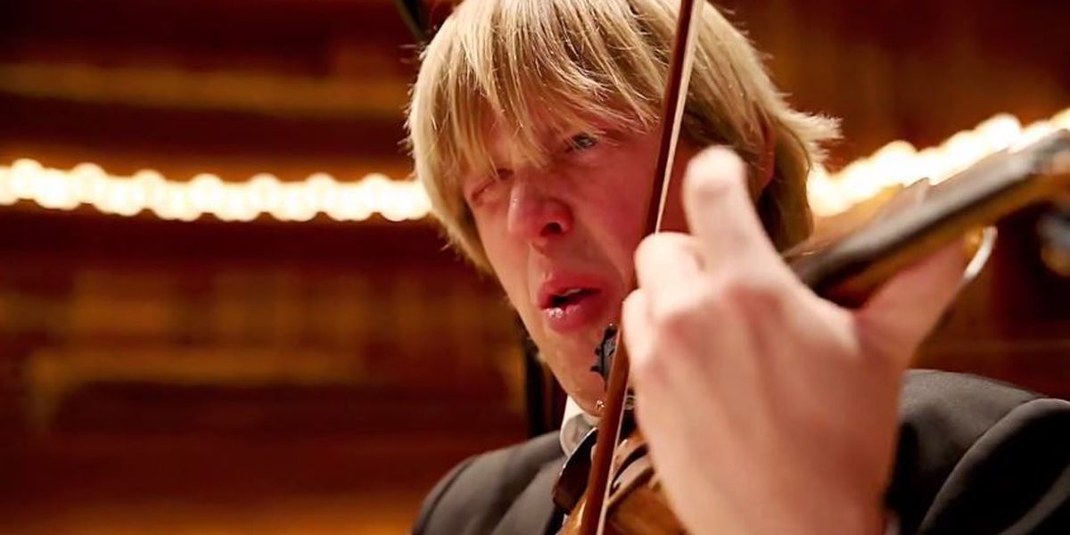 Trending: Orchestra eats world's hottest chili pepper
