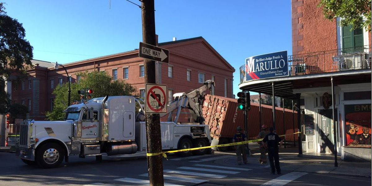 18-wheeler tips in French Quarter; driver cited