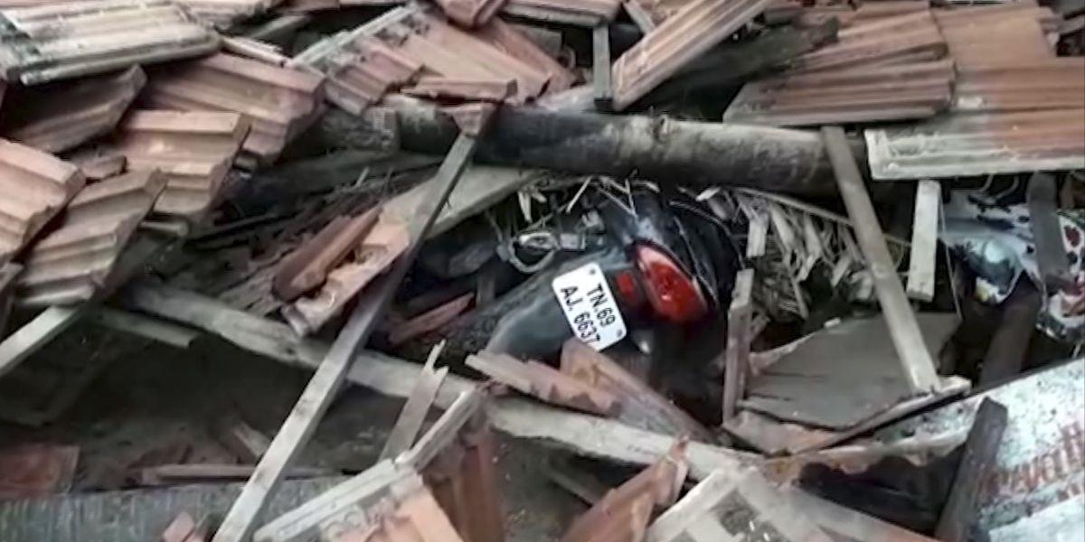 Cyclone kills 13 in southern India, 80K people evacuated