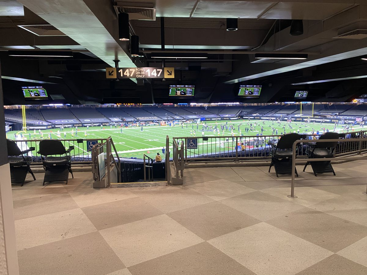 Thousands of fans in Superdome Sunday, as renovations are well underway