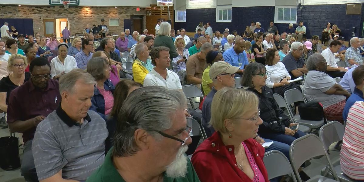Hundreds pack meeting with concerns on 2020 assessment, desperate for answers