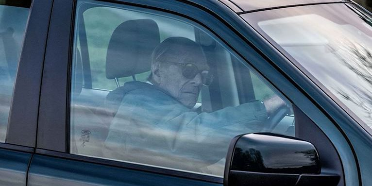 Prince Philip photographed driving without seat belt 48 hours after car crash