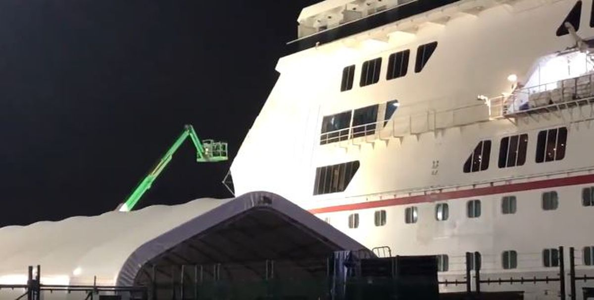 Carnival Glory departs New Orleans after collision damage ...