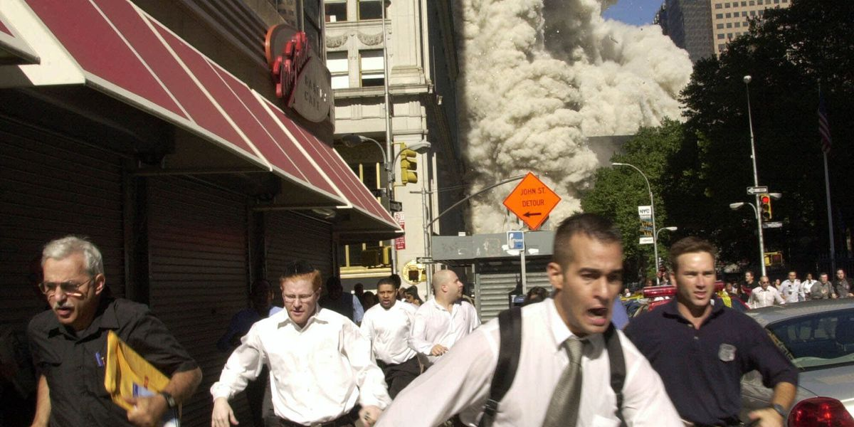 Man in famous 9/11 photo dies from COVID-19 in Florida