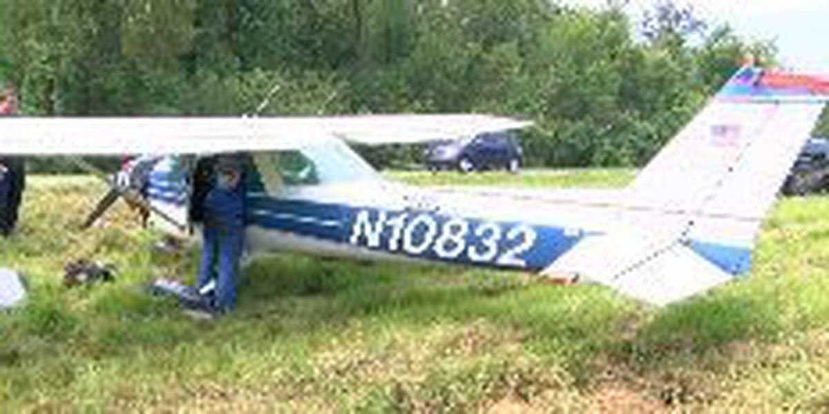 Pilot makes emergency landing on I-10