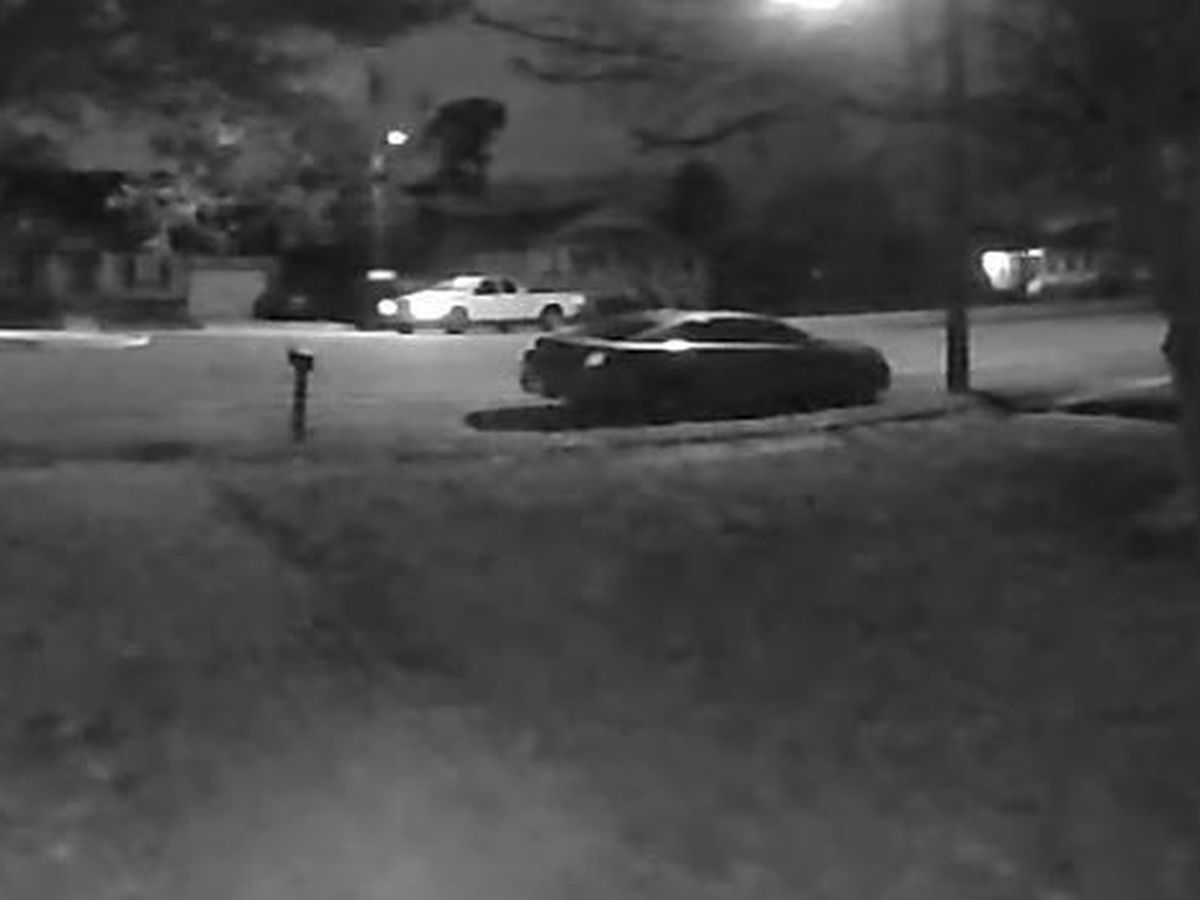 NOPD searching for suspects who burglarized unmarked unit