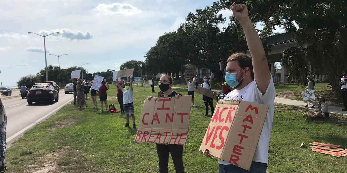 'We can't breathe': Peaceful protesters in Biloxi speak out against racism, violence