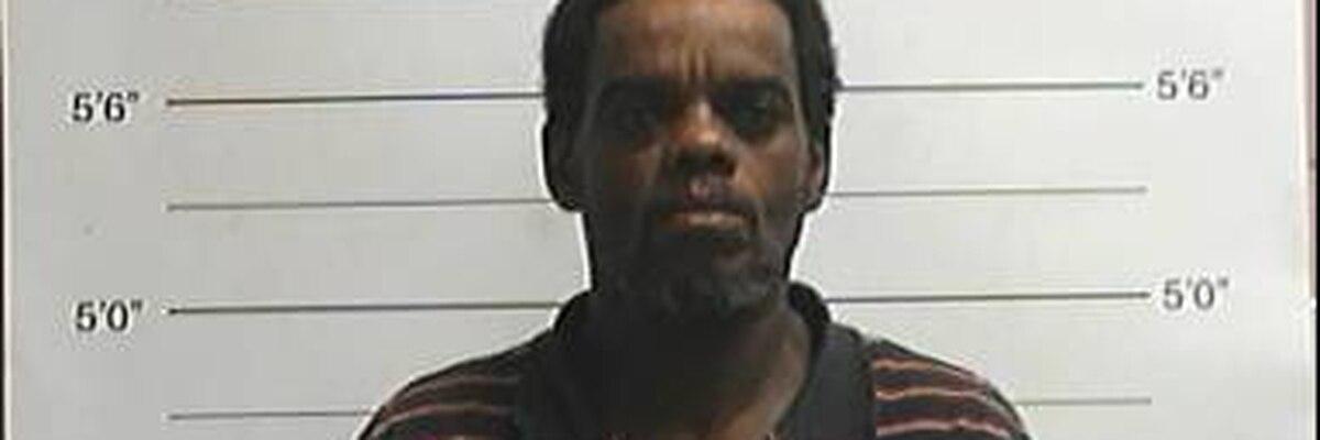 NOPD: Man arrested for shoplifting alcoholic beverages and knife attack
