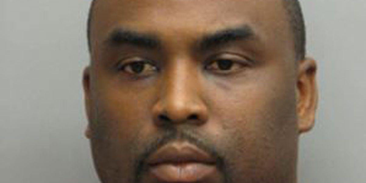 Murder suspect surrenders in Lafourche Parish