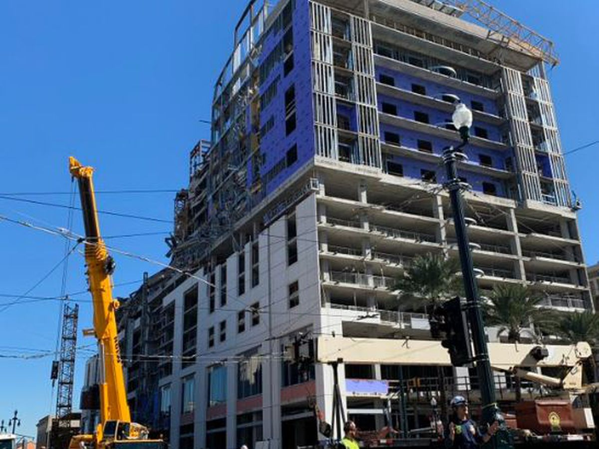 New crane in place at Hard Rock site to secure remaining crane over Canal St.