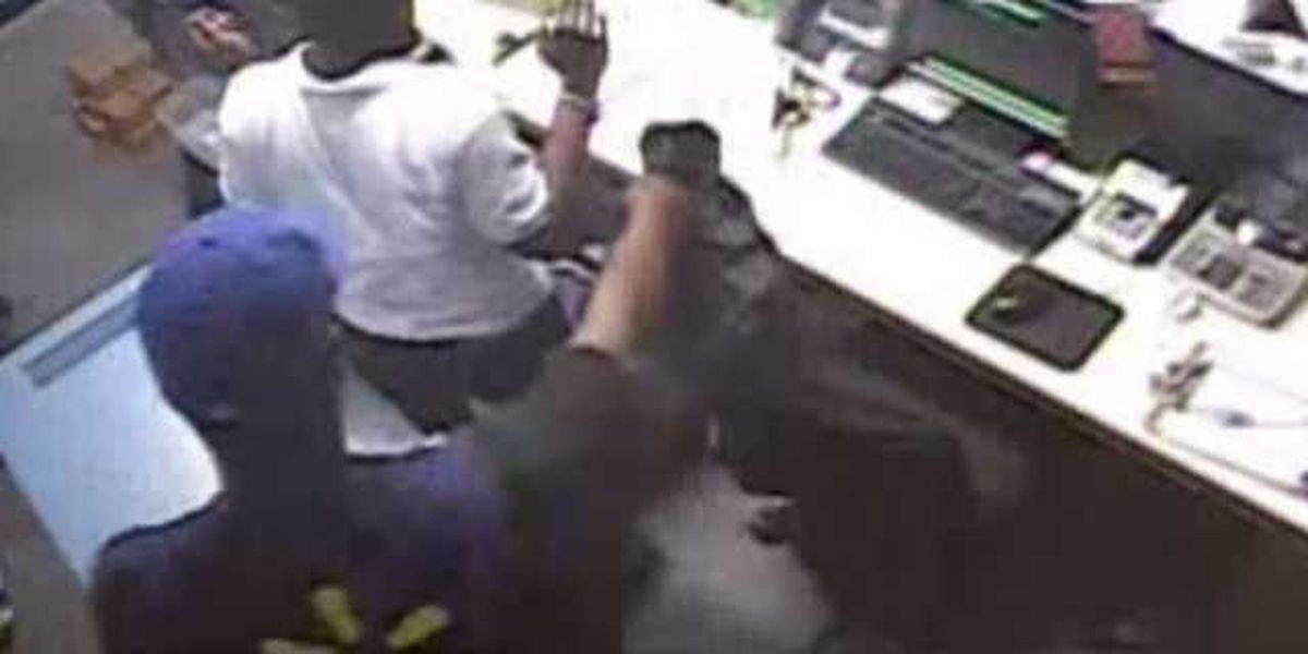 Gunman in employee uniform steals $120K from Gentilly Walmart