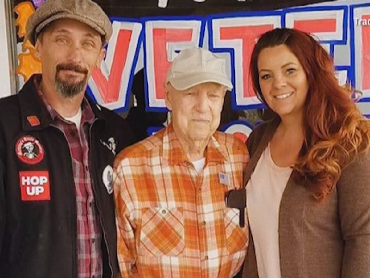 California couple 'adopts' 93-year-old World War II vet who escaped wildfire