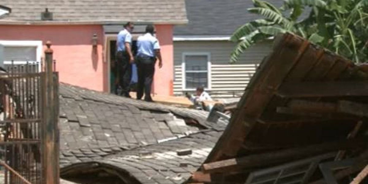 Workers narrowly escaped before 7th Ward house collapsed