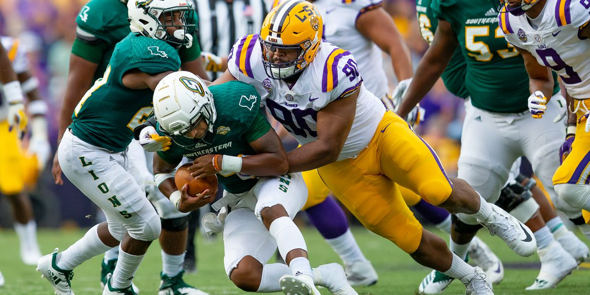 LSU defensive end Rashard Lawrence returning for senior season
