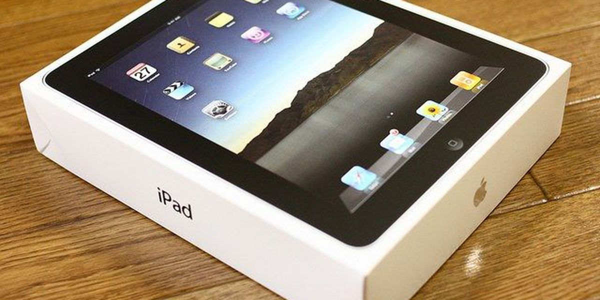 Apple delays release of bigger iPad