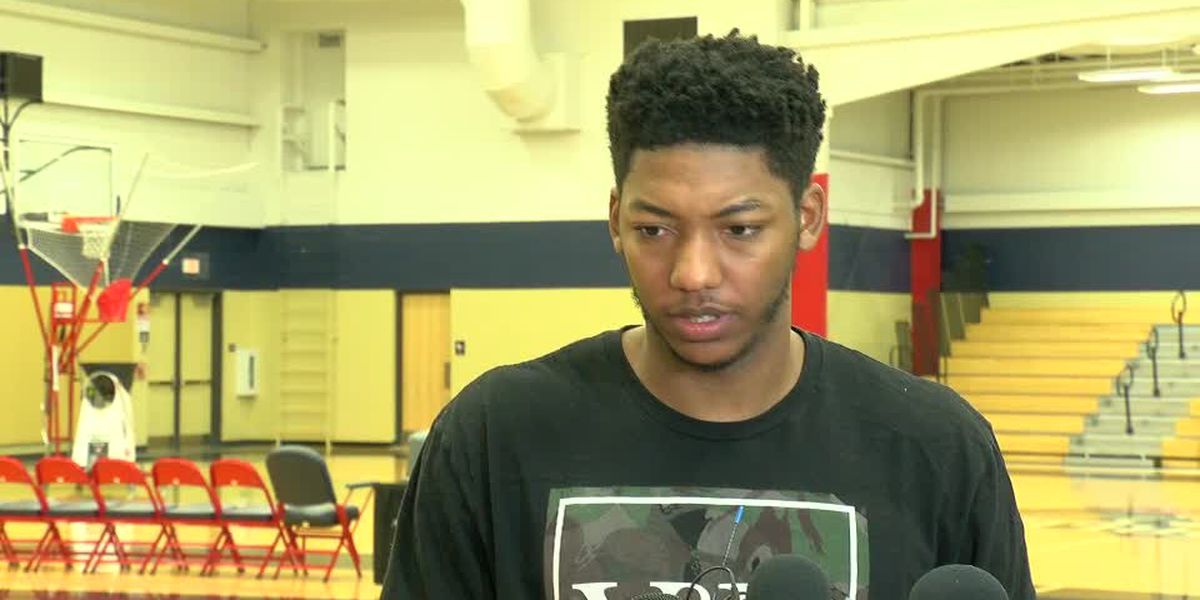 "Elfrid Payton ""would definitely love to be back"" with the Pelicans"
