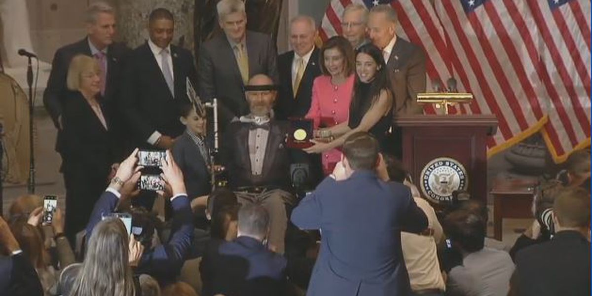 Former Saints player Steve Gleason gets Congress' highest award