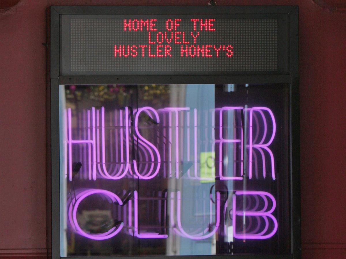Hustler Club giving out free booze with vaccines on Bourbon Street