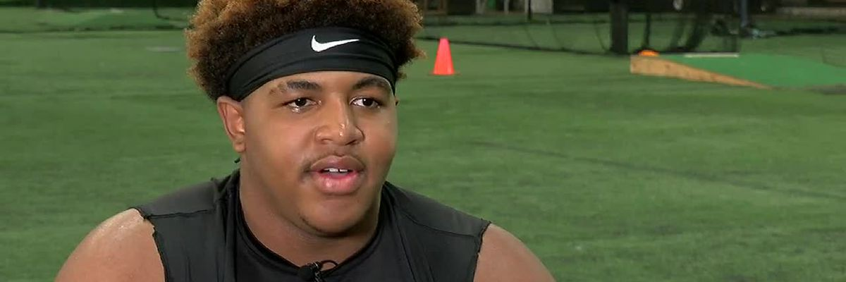 Defensive lineman Jameian Buxton pulls in LSU offer at 14-years old