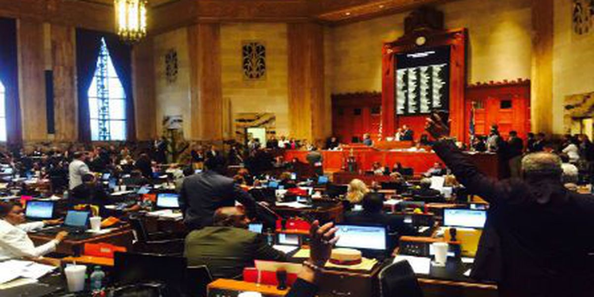 Special session's final hours dominated by backroom budget negotiations