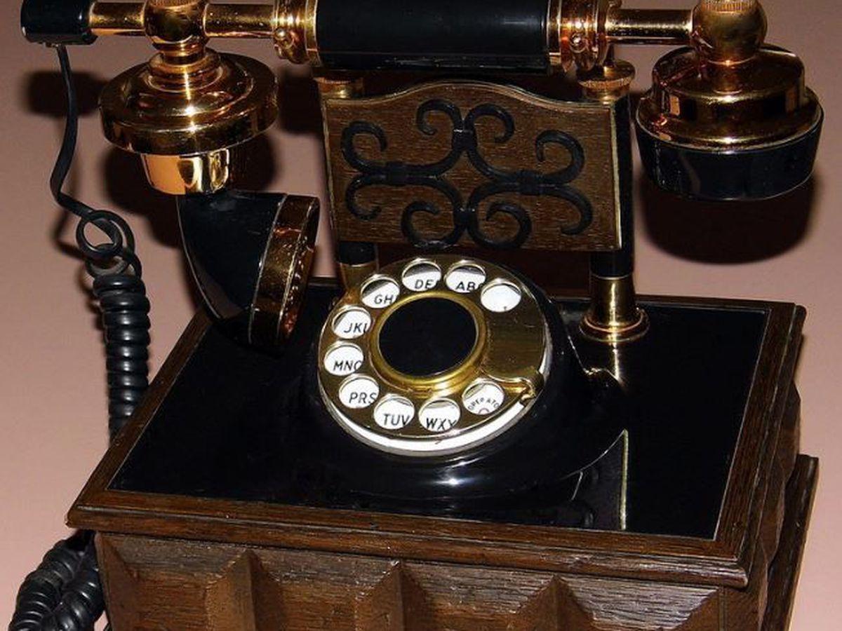 Heart of Louisiana: Telephones