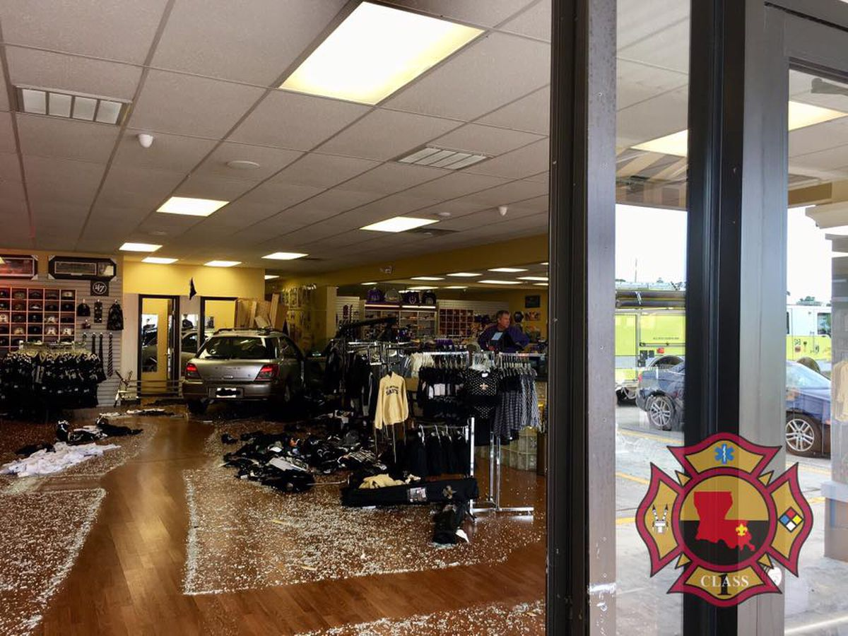 Car crashes into Mandeville sports shop