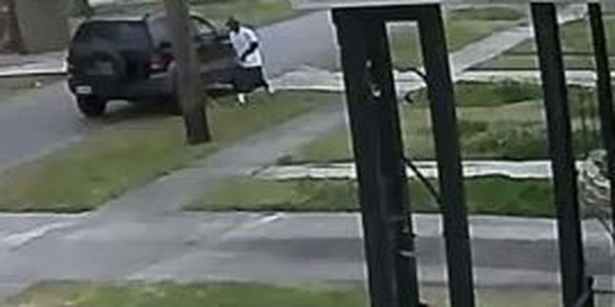 Police need help finding a man wanted for a attempted burglary of a Gentilly home