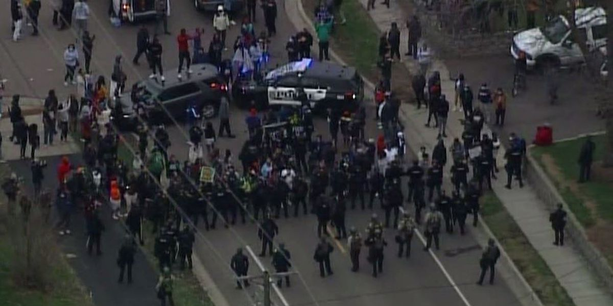 Protests erupt after Minnesota police shoot man in traffic stop incident