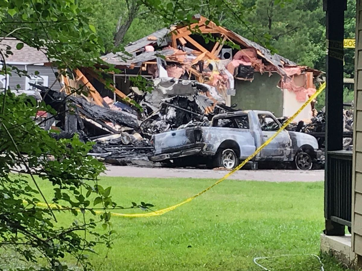 4 killed when plane crashed into Miss. home identified