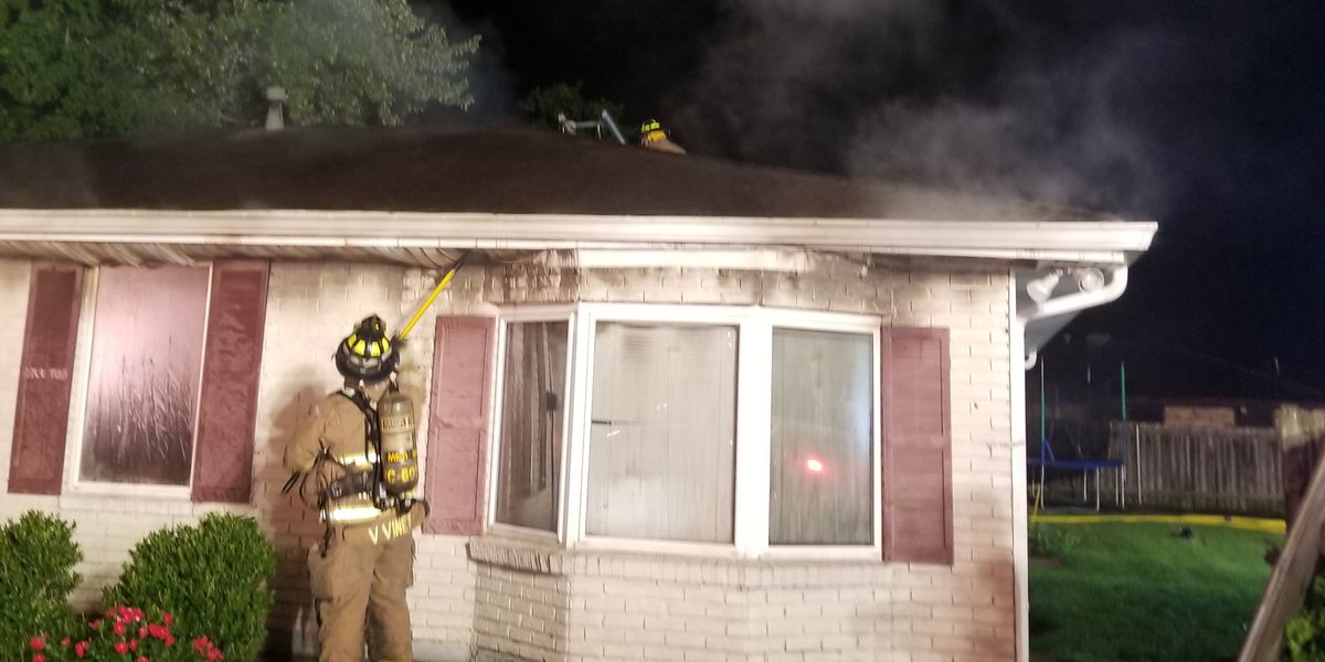 2-alarm fire in Harvey displaces family of 3
